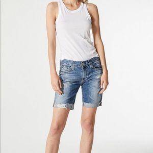 AG Nikki Shorts Size 28